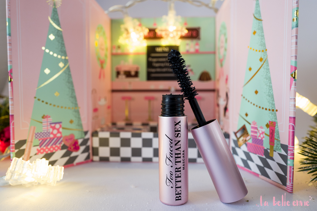 la_belle_envie_labelleenvie_toofaced_too_faced_makeup_christmas_newyork_grande_hotel_cafe_better_than_sex_mascara_dollhous_box_eggnog_peppermint_gingerbread-14